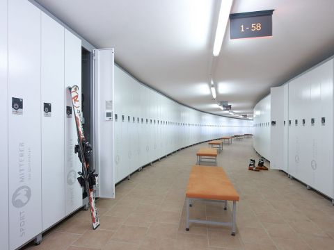 Much space in the Sport Mitterer ski depot